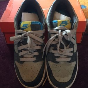 Nike Sneakers 6 youth